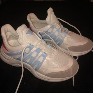 Shoes - Brand new never worn chunky athletic shoes